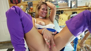 Mature Daizy Finger Fucks Her Wet Pussy on Pool Table after Squirting