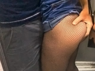 Afterparty fuck in elevator with my hot ass tinder date Cocopumpum