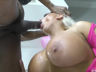 Busty Barbie Doll Blonde Makes It Sloppy! (29 Aug 2019)