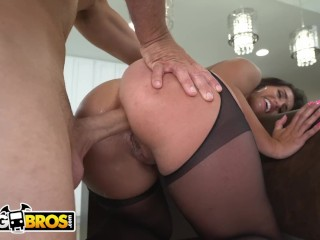 BANGBROS – Precious PAWG Kelsi Monroe Taking Anal From Sean Lawless