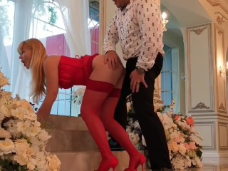At a wedding grooms friend fucks a gorgeous blondeanal cumshot on pussy
