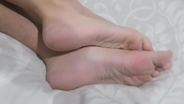 Naked Toes and Feet after Bath