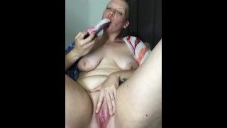 FILTHY bbw Milf hides while getting her morning squirt