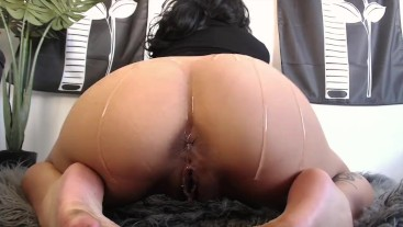 JERK IT TO MY OILED UP ASSHOLE