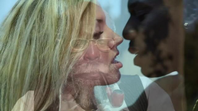 Milfs rought sex movies Trailer bite noir et poesie