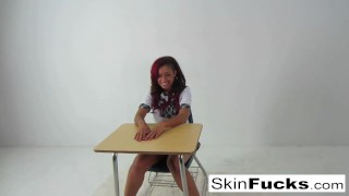 Classroom-lesbians-with-Skin-and-Alison