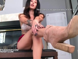 Lindsey Leigh Personal shoe buyer