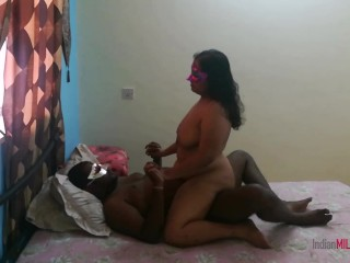 Super sexy Indian bhabhi Shanaya loves to fuck and the taste of cum