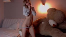 Juliaiva pussy tease beautiful dance small tits