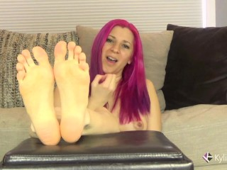 Toe Wiggling Foot Fetish JOI