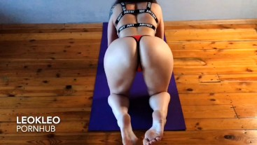 Amateur fuck with young sporty babe LeoKleo after yoga