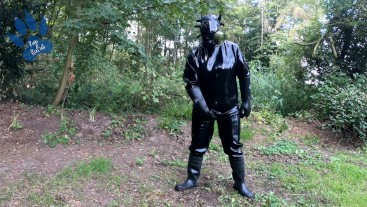 Rubber-Pup-Drone pawing off outdoors