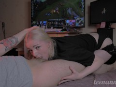 Hard fucked in the mouth Gamergirl