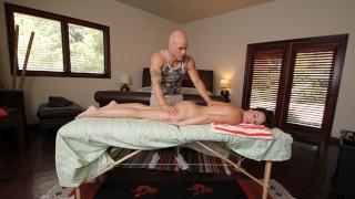 BANGBROS - Natalie Heart Commissions Massage From Derrick Pierce