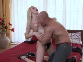 Blondie with Nice Rack gives Amazing Titjob and Wants the Jizz