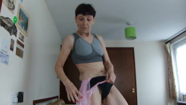 Black sexy older babes Sex with my pink transparent scarf, sexy underwear, the seduction look