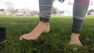 Asmr Grass pulling with Toes