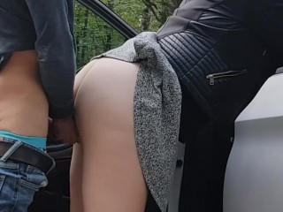 Quick sex and facial in the parking lot