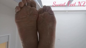 Creamy Feet to satisfy your Foot Fetish