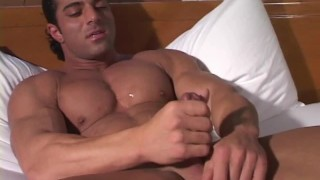Hot Muscle Show - Latino Beefcake
