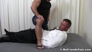 Videos porno xxx - My Friends Feet Bound Muscular Dude Endures Tickling Torment By Muscular Gay