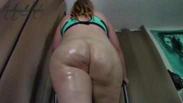 Thick Oiled Redhead Ass Walk/Jog on Treadmill - Kelly Shamrock