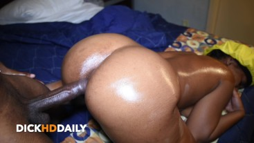 Honey Dizzle Getting Her Juicy Ass Dicked Down Before Bed