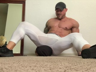 muscle stud crushes head into submission