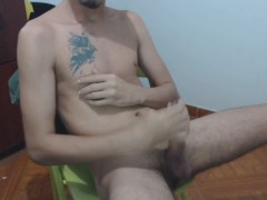 I end the day of love and friendship in Colombia with a cum on my chest.