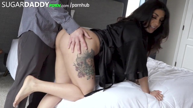 Latinan porn - Beautiful thick tatted latina with monster booty fucks so thick