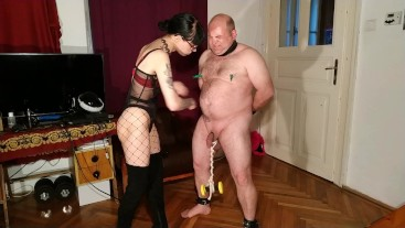 Beth Kinky - Beat the crap out of stupid slave HD