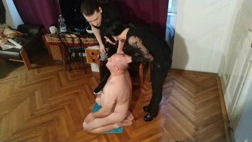 Beth Kinky - Face wash our slave with our spit HD