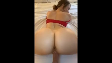 Ass looks INSANE on The iPhone 11
