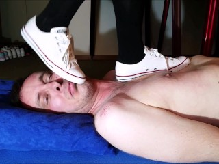Dirty old Converse Sneaker Trampling (Trailer)