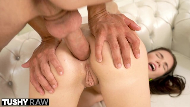 Meaga cock - Tushyraw college student takes a mega-cock in the ass