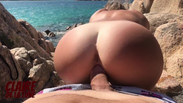 Sneaking away from hot friend to get a hard rough fuck on a public beach