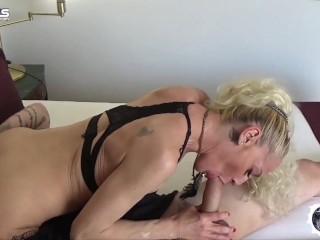 PORNOVATAS POR EL MUNDO ITALIA YELENA VS JOTADE Victor Bloom