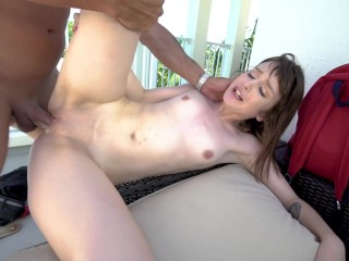 YNGR – Bubble Butt Amateur Shooting First Porn Video