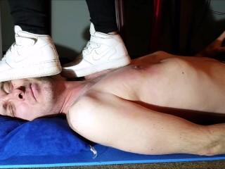 Hard Trampling with AF Sneaker