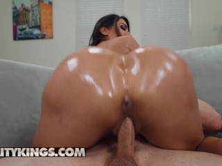 Reality Kings – Giant ass latina Lela Star takes big dick