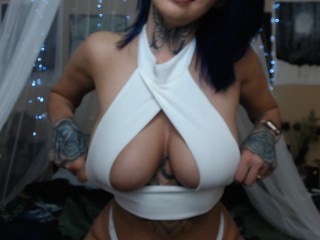 tshirt try on tit play