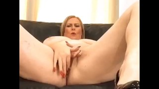 Annabel's naked squirt