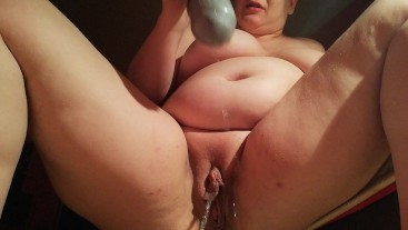 Push pissing powerfull with big dildo