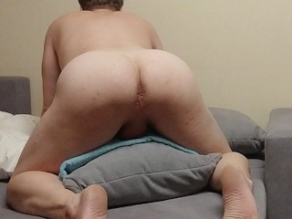 Straight dude humping a pillow