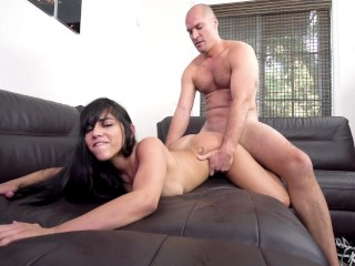 YNGR - 20 Year Old Julz Gotti Fucked During Casting