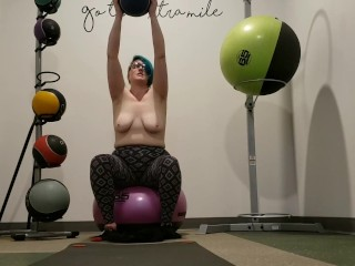 Seattle Ganja Goddess does public masturbation and a workout at the gym