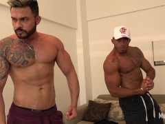 Double muscle worship