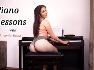 Pianno lessons with Antonia Sainz hot solo Antonia Sainz
