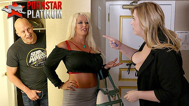 Christian xxx Milfs alura jenson and lila lovely fucking a fan