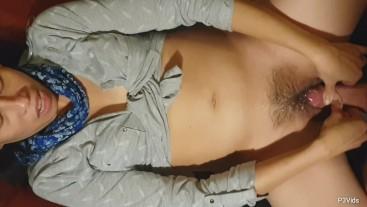 Don't cum inside me: I'am very fertile! Liv gives herself an orgasm!